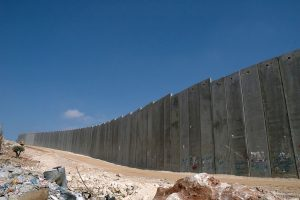 1024px-Israeli_West_Bank_Barrier[1]
