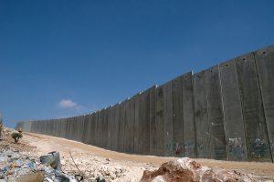 1024px-Israeli_West_Bank_Barrier[1]